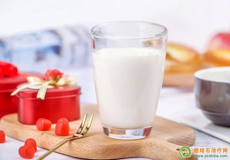 喝加钙牛奶更容易患胆结石